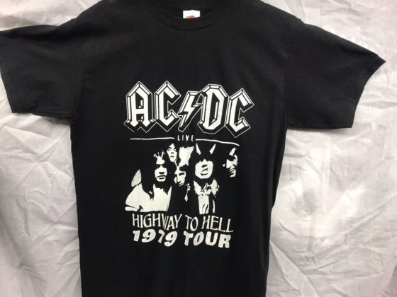 AC-DC-highway-to-hell-blanco